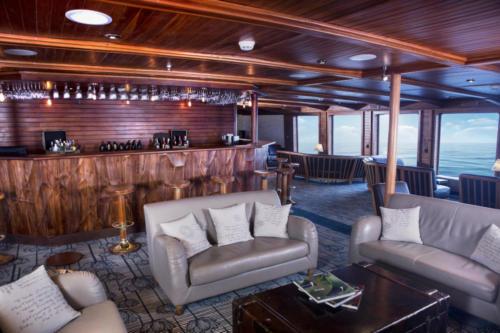 charles-darwing-panorama-lounge-bar-2017 Legend